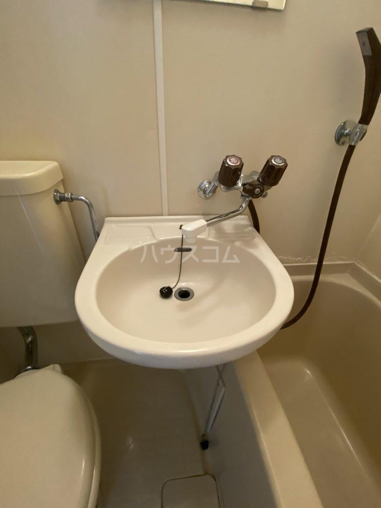 ベネチアン 203号室の洗面所