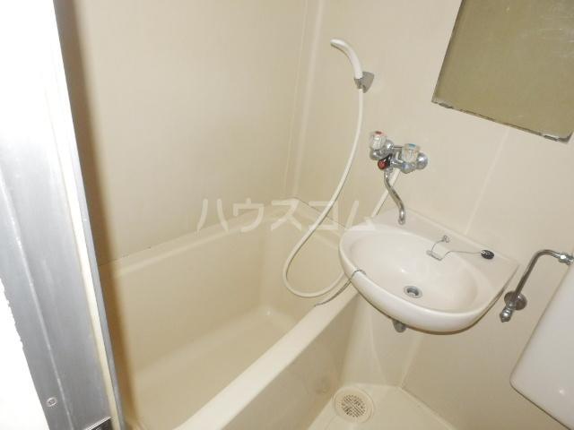 井上ハイツ 203号室の風呂