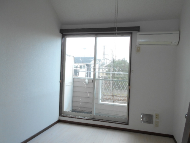 池田ハイツA 101号室のリビング