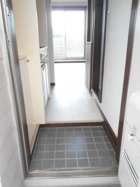 池田ハイツA 101号室の玄関