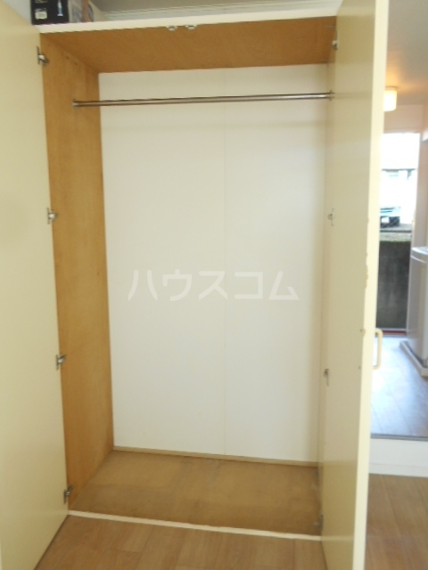 レジデンス扇 1050号室の収納
