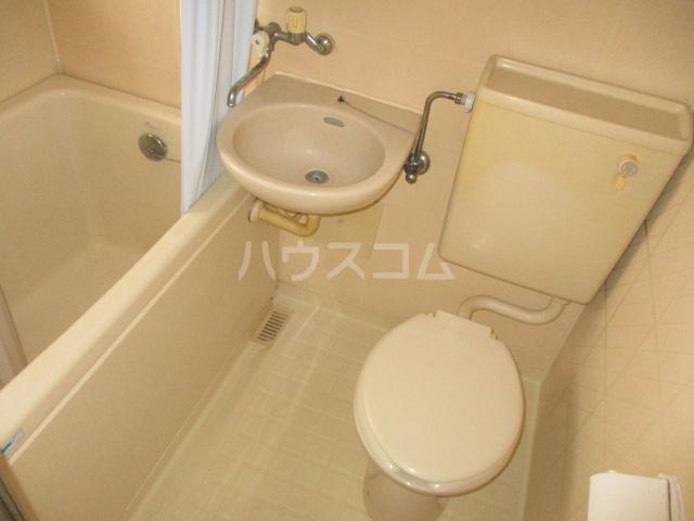 オクトハウス 201号室の洗面所