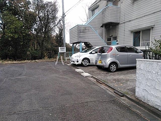 アイシック高崎 201号室の駐車場