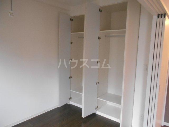 ヴェルメリオ本所 0202号室の玄関