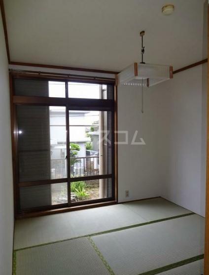 シティハイムグリーンヒルA 103号室の居室