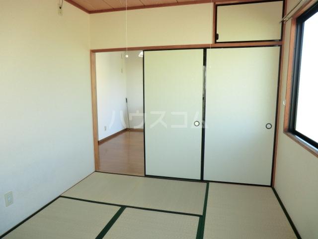 サンテンズガーデン 202号室の居室