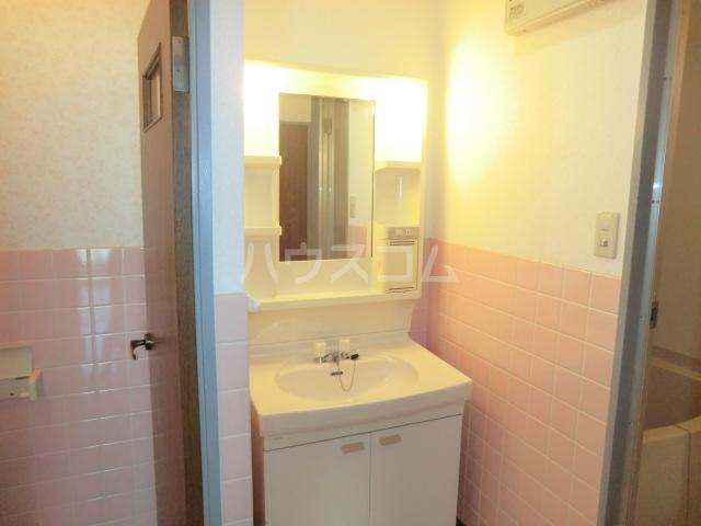サンテンズガーデン 202号室の洗面所