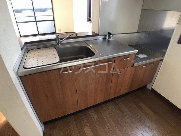マイヒルズ小針A 202号室のキッチン