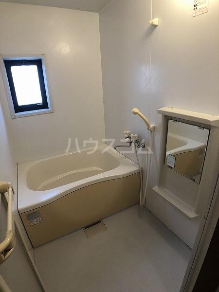 マイヒルズ小針A 202号室の風呂