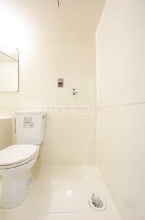 パークグレース新宿 306号室のトイレ