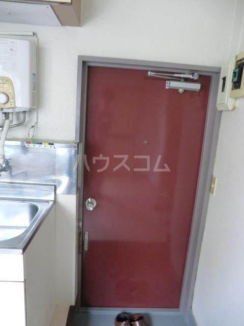 ハイツ堀 302号室の玄関
