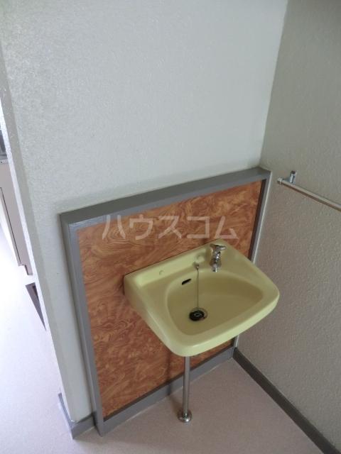 ハイツ堀 302号室の洗面所