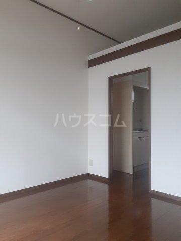 メゾン草薙Ⅲ 106号室のリビング