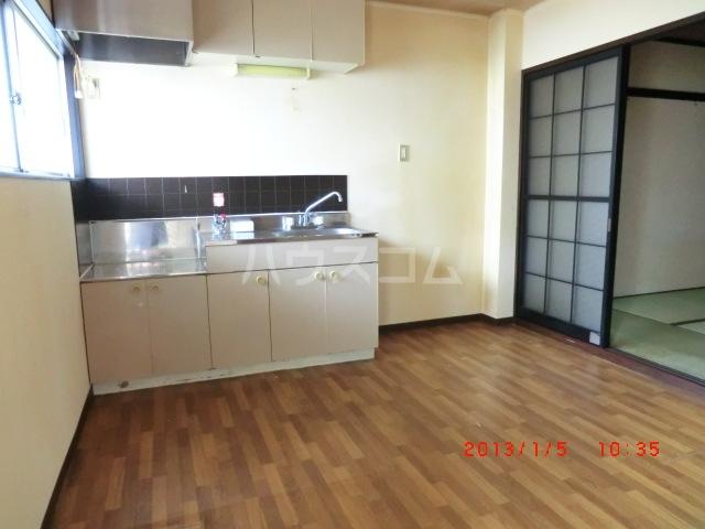 エクセレート府中B棟 201号室のキッチン