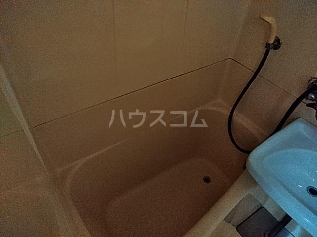 ライブカントリーエイト 406号室の風呂