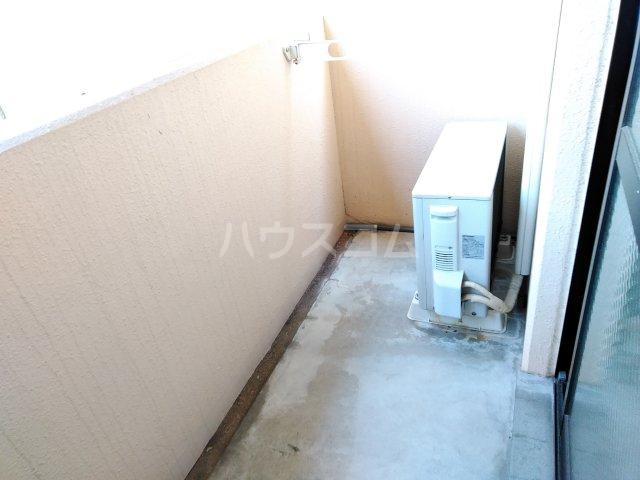 ヴァイタルハウス 205号室のバルコニー