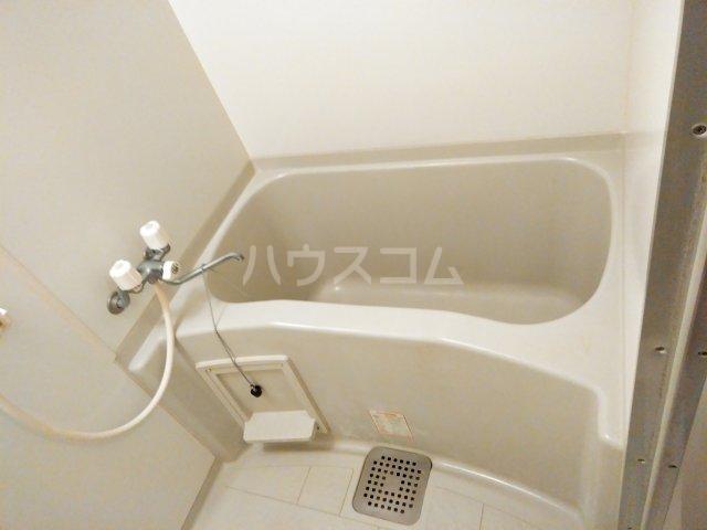 ヴァイタルハウス 205号室の風呂