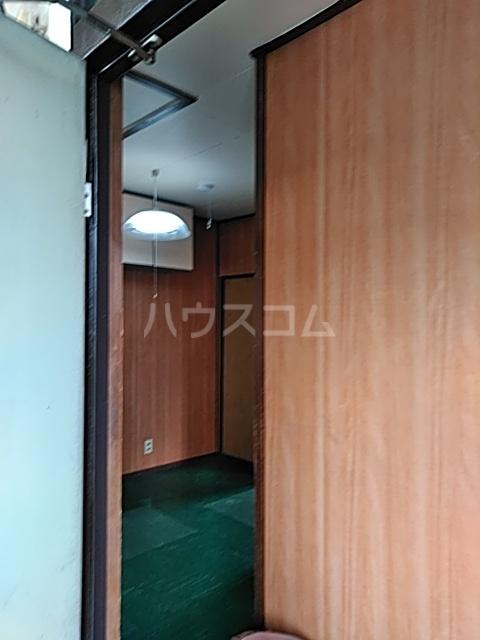 ふじなみ荘 201号室の玄関