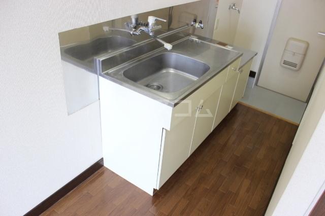 プリンスハイツ 112号室のキッチン