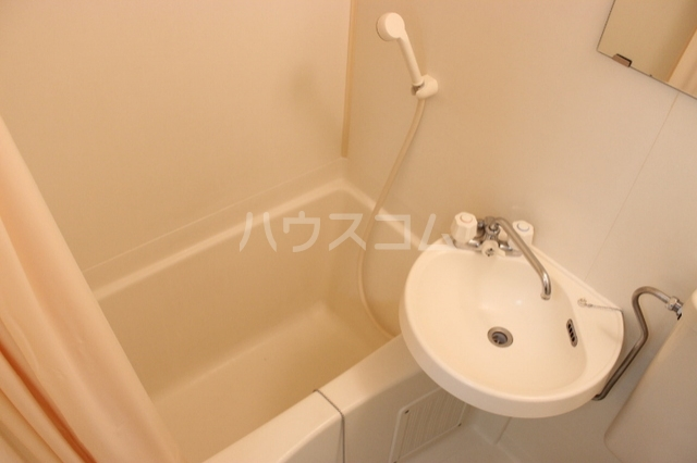 プリンスハイツ 112号室の風呂