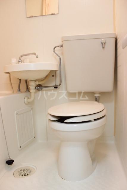 プリンスハイツ 112号室のトイレ