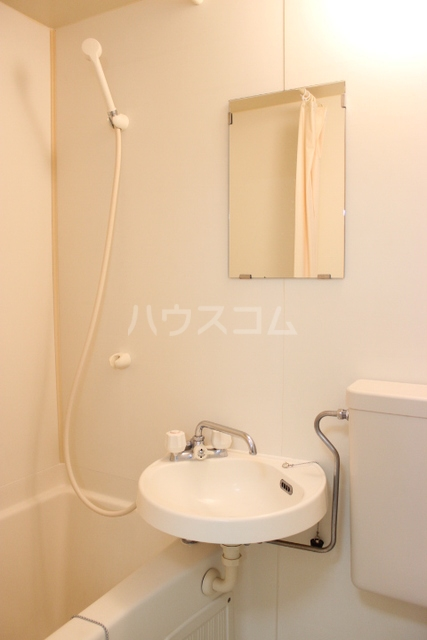 プリンスハイツ 112号室の洗面所