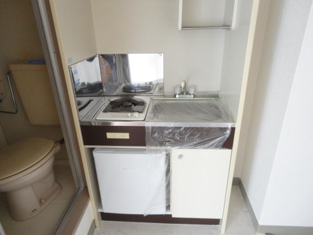 セレーナ土生 202号室のキッチン