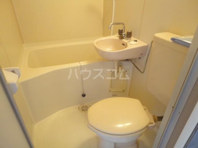 セレーナ土生 202号室のトイレ