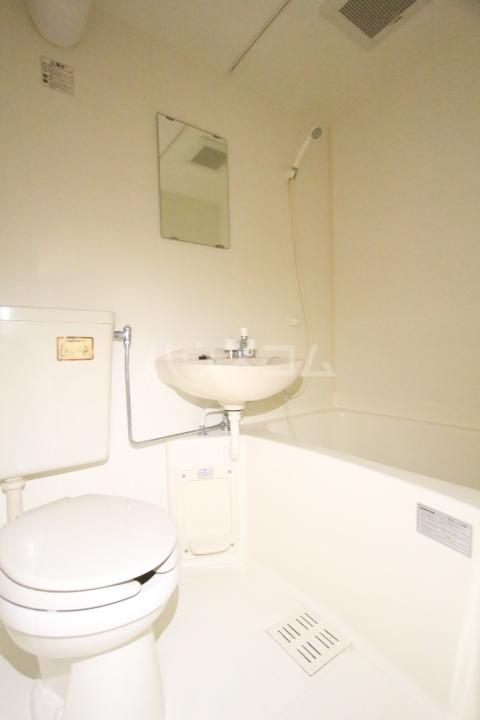 ソシオ豊田小坂本町 113号室の風呂