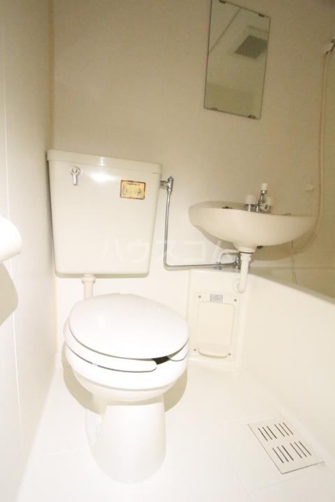 ソシオ豊田小坂本町 113号室のトイレ