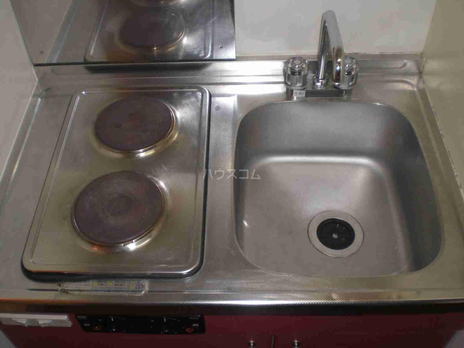レオパレスアラモードⅢ 105号室のキッチン