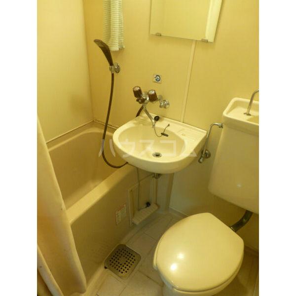 コンフォート花畑 202号室の風呂
