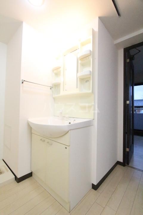 オアシス上豊田 109号室の洗面所