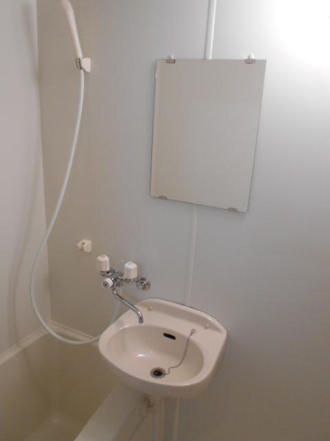 VIVRE 101号室の洗面所