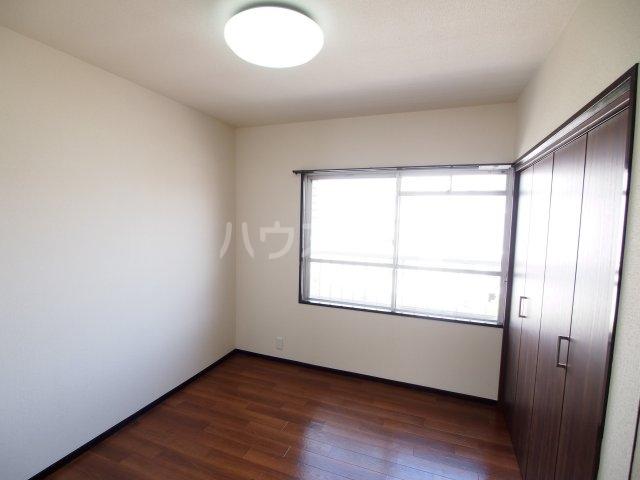 藤田ハイツ 303号室のベッドルーム
