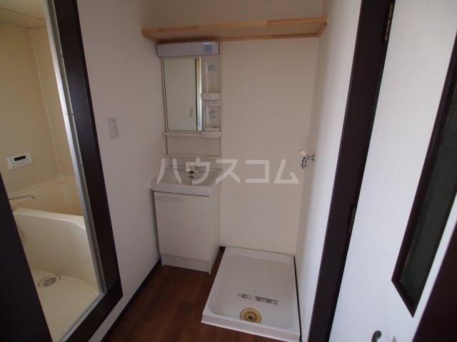 藤田ハイツ 303号室の洗面所