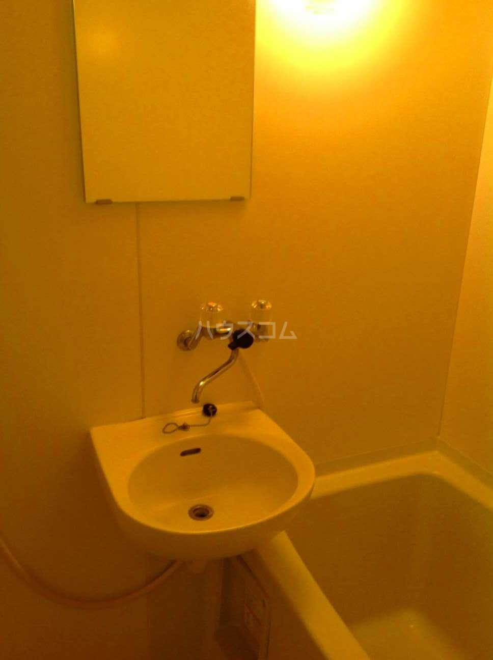 レオパレスGOLDFIELDⅡ 103号室の風呂