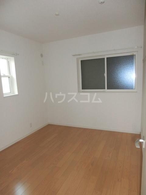 クレール戸田町 A棟のベッドルーム