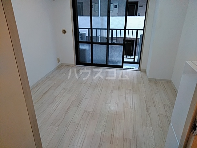 クリオ阪東橋壱番館 804号室のリビング