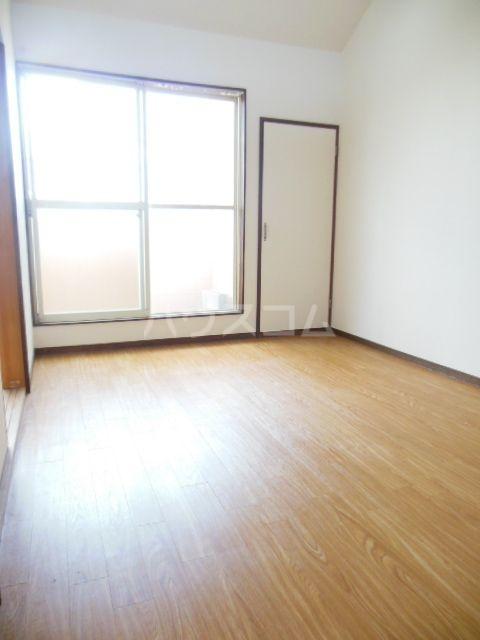 シティベール浦田 A202号室のリビング