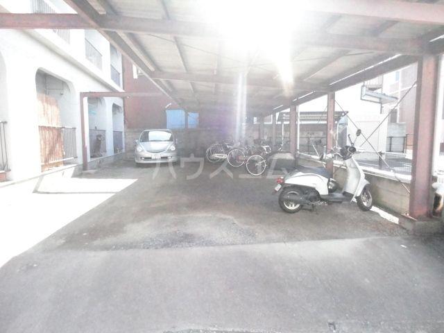 アイコーポ 105号室の駐車場
