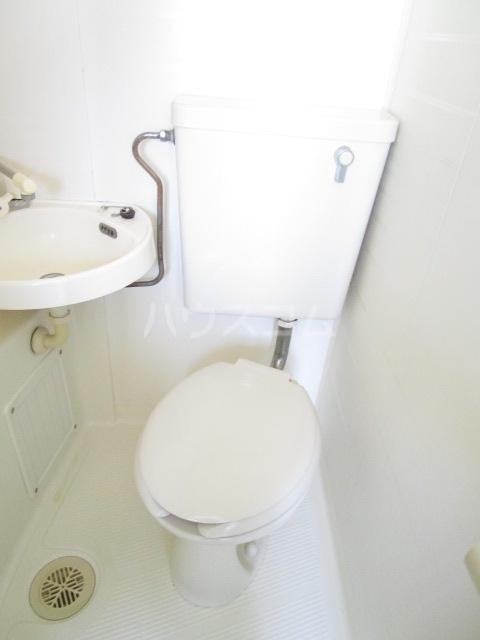 エスタ・クリヤマ 201号室のトイレ