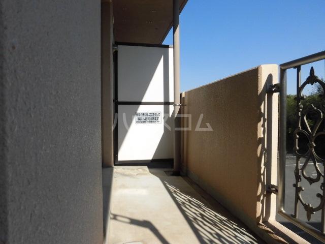 プリミエール山敷 303号室の駐車場