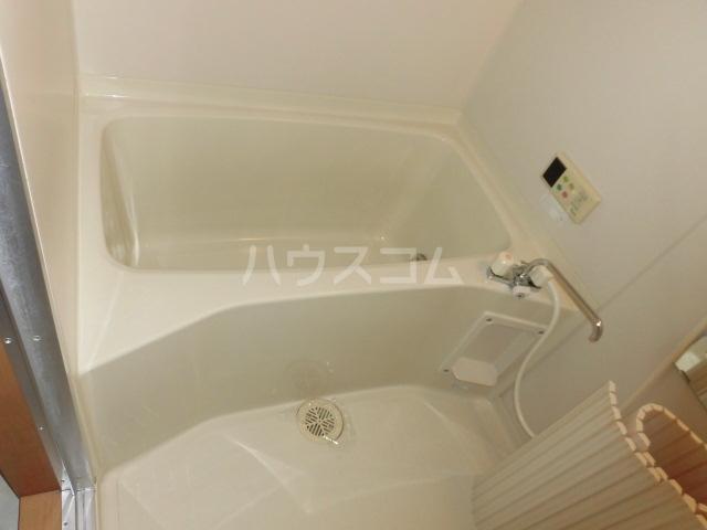 プリミエール山敷 303号室の風呂