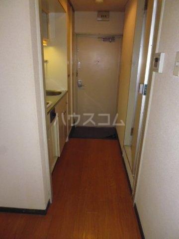 Nフラット 206号室の玄関