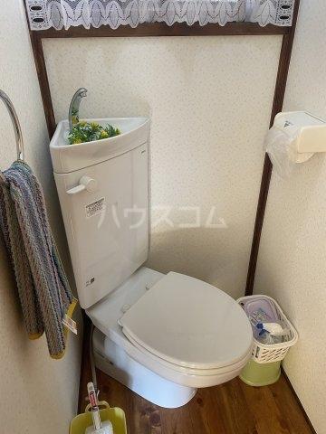 竹和荘 202号室のトイレ