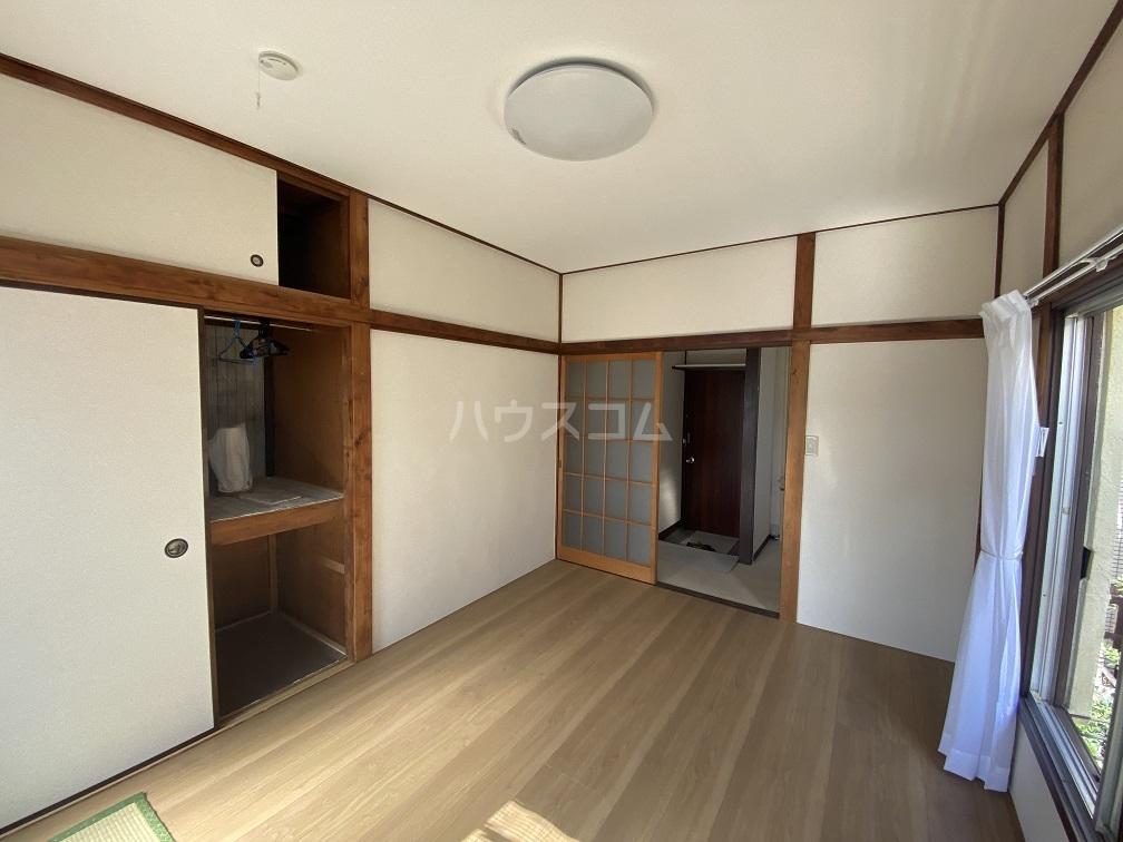 竹和荘 203号室のリビング