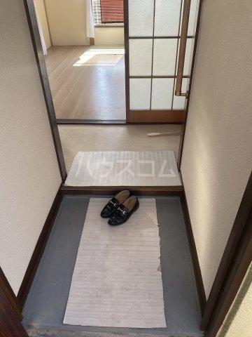 竹和荘 203号室の玄関