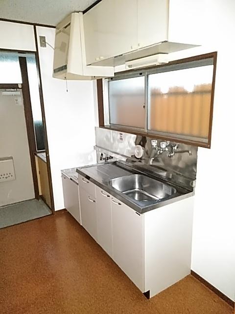 レジデンス深沢 205号室のキッチン