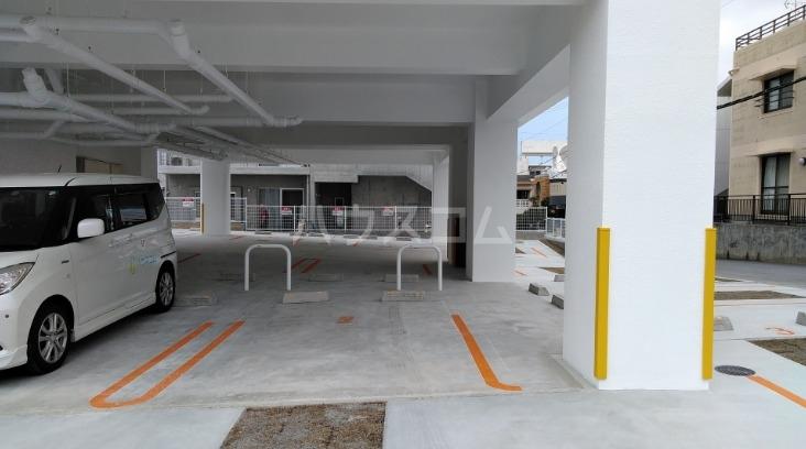 グランビスタ 04020号室の駐車場